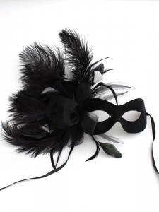 themed_masked_ball_ideas_Black & White Burlesque Feather Mask