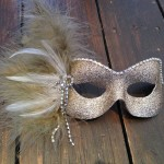 11.pale beige gold mask with champagne feathers