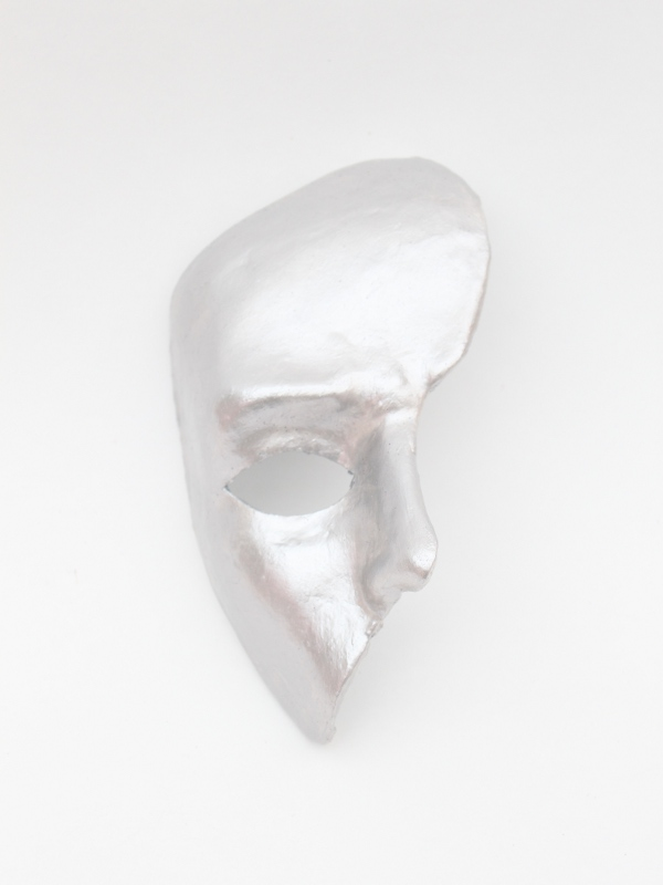 silver_phantom_mask_britains_got_talent