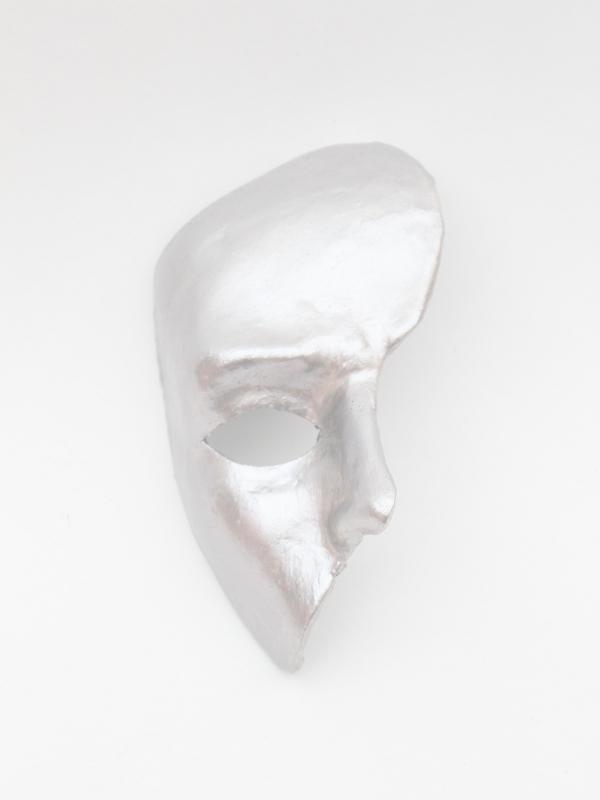 silver_phantom_mask_britains_got_talent