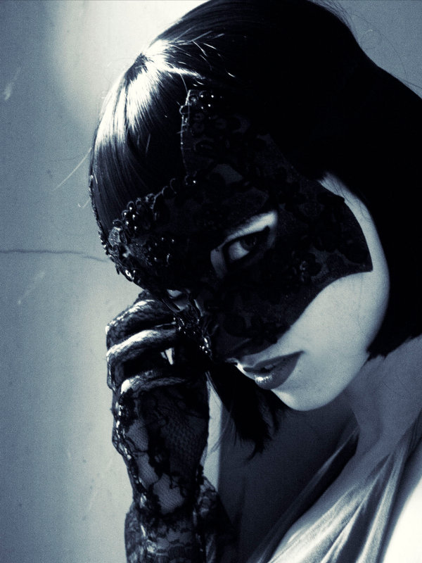 black_gothic_lace_cat_mask