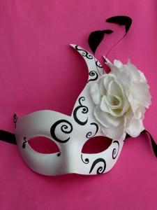 Ascot White & Black Swan Mask