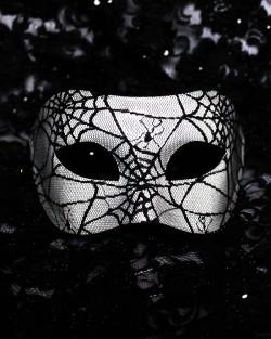 Men's Black & White Spider Web Venetian Mask