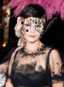 dolce-and-gabbana-alta-moda-2013-venice-pictures-masquerade-ball-audrey-tatou-portrait