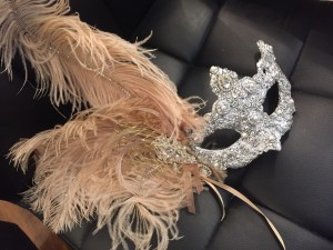 Sweet 16 jewelled mask with pearls, silver & champagne gold